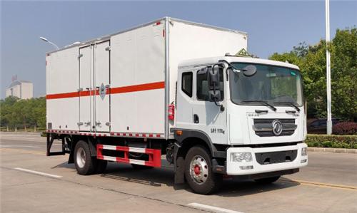 东风D9 SDS5185XFWEQ6腐蚀性物品厢式运输车(黄牌柴油)