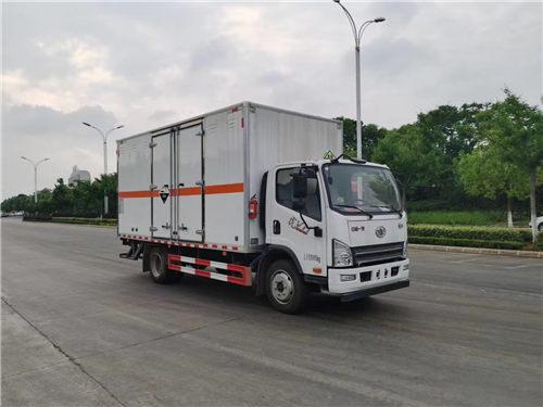 解放SDS5120XFWCA6腐蚀性物品厢式运输车(黄牌柴油)